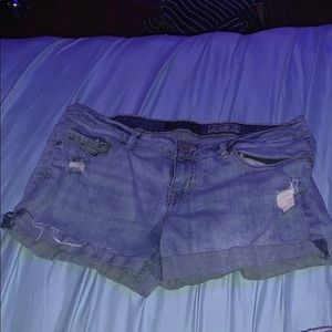 Aeropostale's jean shorts wore only three times.